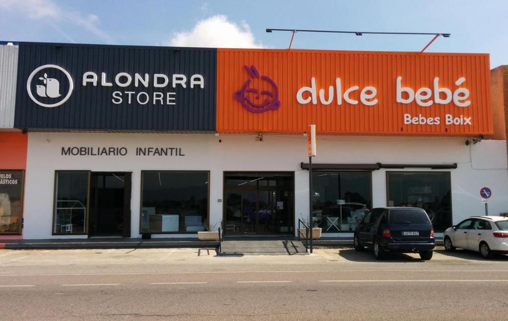 Foto fachada exterior Alondra Store Valencia